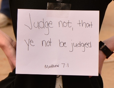 judge not sign
